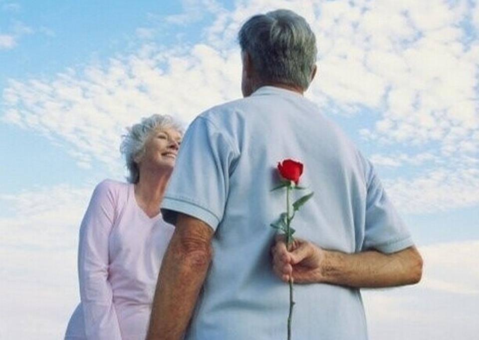 展示中老年人的情感世界和多彩的人生�v程,�Y�中老年人的人生�r值,�橹欣夏昱笥丫S�o�嘁妗��B生保健、提高生活�|量提供全方位服��檗k刊宗旨,�槔夏晔�I做出了��I。