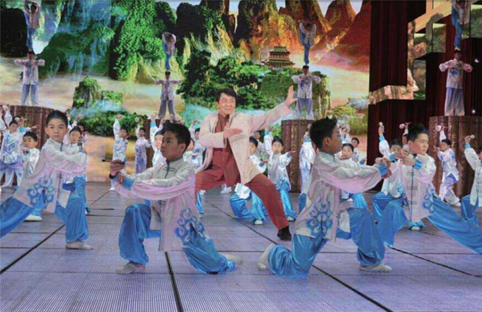 《中华武术》杂志覆盖海内外武林界,主导武术技术、理论和新闻,实用型与权威性并重,深受广大读者欢迎。