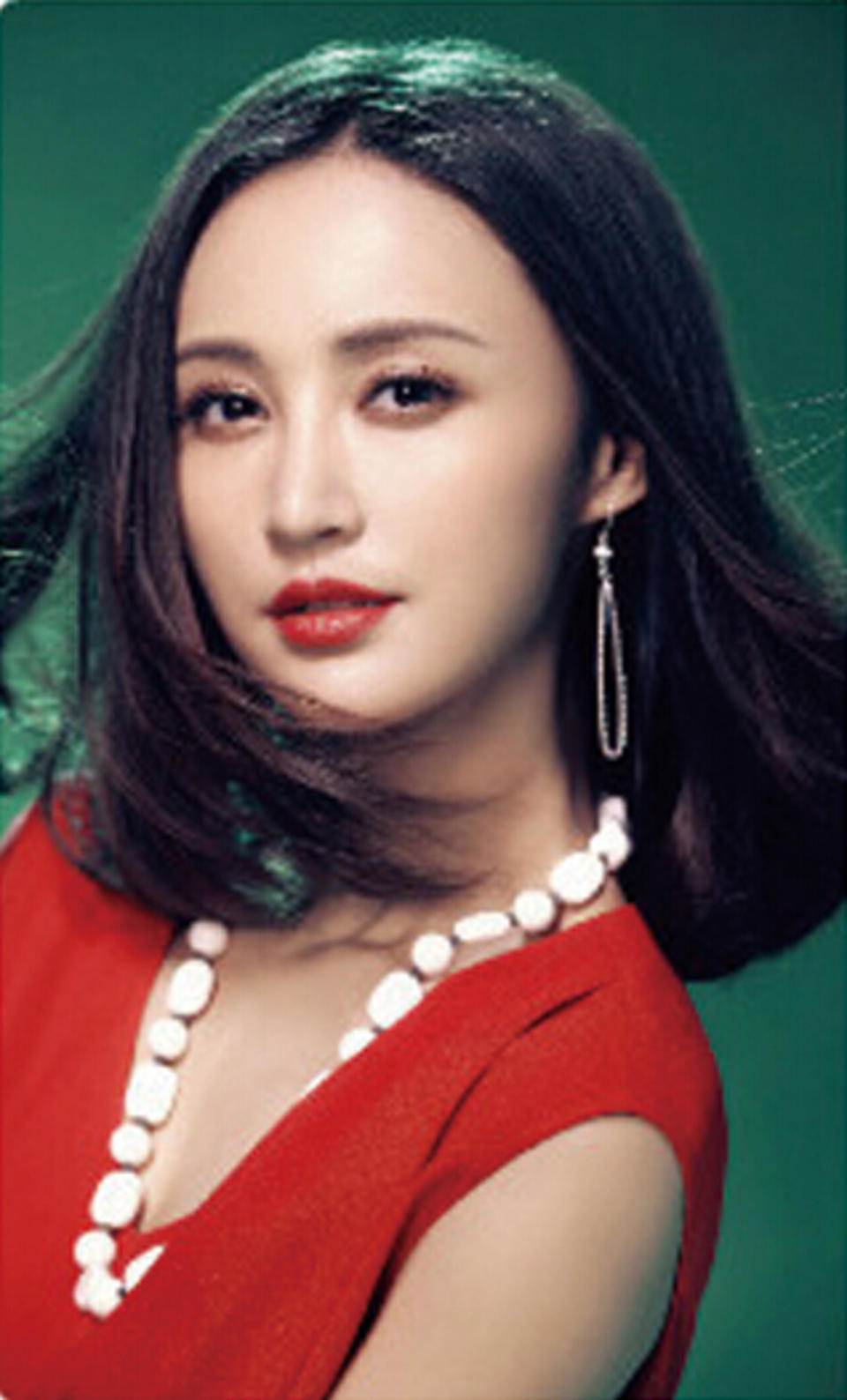 北京时装之都文化传播有限责任公司是位于中国首都北京,致力于杂志编辑出版和发行工作,旗下产品《时尚北京》杂志是代表北京的权威时尚杂志,在服装、时尚界具有重要地位。
